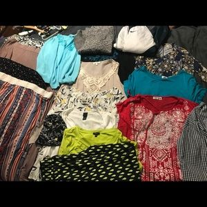 Huge lot of ladies clothes size XL (approx 14-18)